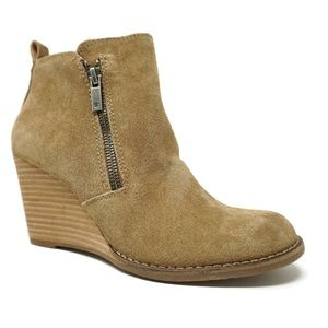 NEW Lucky Brand Yesterr Womens Wedge Booties 5.5